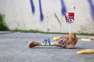 slinkachu KFC